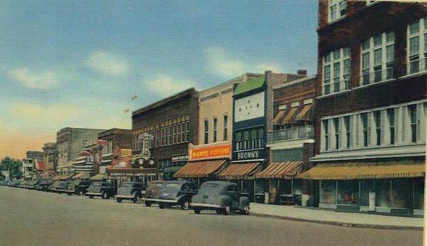 Glimpse of Mason Avenue